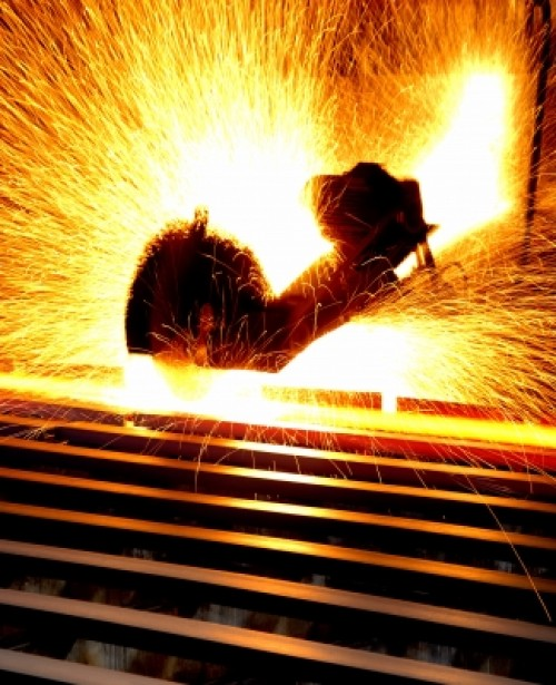 Labor MPs Attempt to Relieve Pressure on Steel Manufacturers