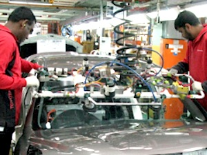 Picture: www.amwu.org.au, AMWU members working in Toyota`s Altona assembly plant.