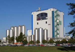 Milk powder processing plant at Fonterra's Waitoa Dairy Factory, New Zealand Image credit: flickr User: Grey Albatross