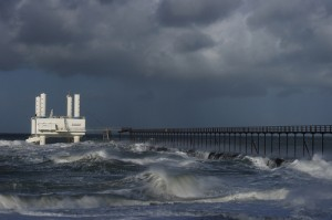 Wave power station  Image credit: flickr User:  AxelN