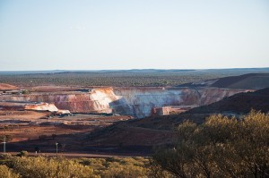 Open cast gold mine, Mount Magnet, Western Australia Image credit: flickr User:  PhillipC