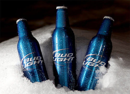 Alcoa partners with Bud Light to deliver unique reclosable bottle