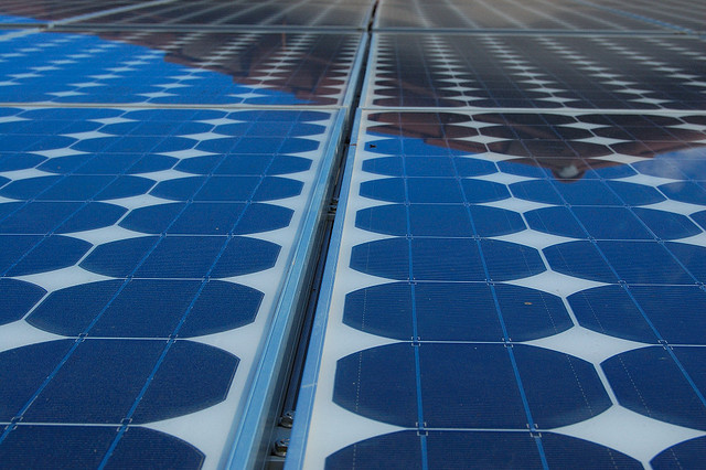 Experts say Australia's policy on renewable energy stifles investments in the sector