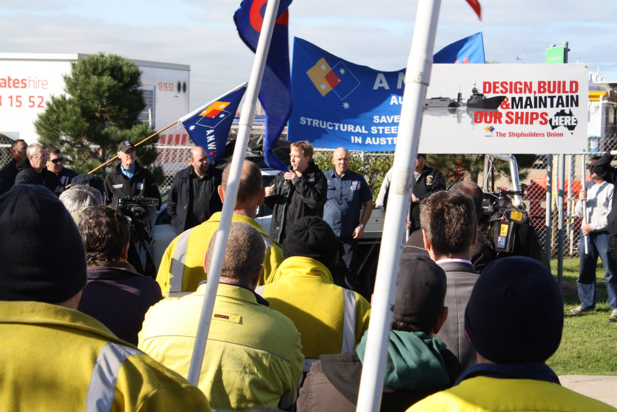 Unions pile pressure on government to use local steel for the East West Link project