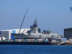 1200px-HMAS_Hobart_under_construction_April_2015