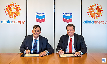 Chevron Australia Managing Director, Roy Krzywosinski with Alinta Energy's CEO, Jeff Dimery Image credit: www.chevronaustralia.com
