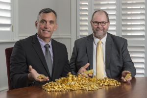 L to R - John Welborn and Richard Hayes - Resolute Dividend Payment in Perth Mint Gold Image provided